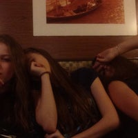 Photo taken at Pizza House by Adelia on 5/28/2015