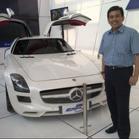 Photo taken at JIExpo Kemayoran-IndoFood Hall D Eris Flour Mills by Henry N. on 9/26/2012