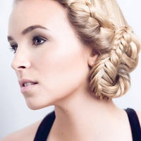 Foto tomada en Kate Miasik Hair Salon por Kate Miasik Hair Salon el 5/13/2014