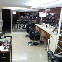 Photo taken at Favourite Exclusive Hair Salon For Men by Fevzi K. on 5/13/2014