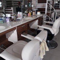 Photo taken at Favourite Exclusive Hair Salon For Men by Fevzi K. on 9/25/2016