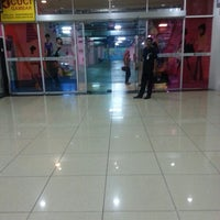 Photo taken at 1Borneo Hypermall Car Parking by Baiey Z. on 5/25/2013