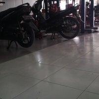Photo taken at Syafa Mandiri Motor Cilebut by Ridwan H. on 6/14/2014
