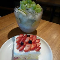 Photo taken at A TWOSOME PLACE by 愛ちゃん on 6/27/2014