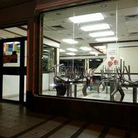 Foto tirada no(a) McDonald's por Ricardo S. em 5/1/2013