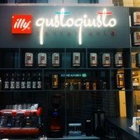 Photo taken at illy «Gusto Giusto» by Boris B. on 5/13/2014
