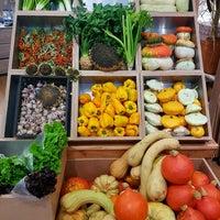 Снимок сделан в Фермерский рынок МЕГА Ферма LavkaLavka пользователем Regina S. 9/21/2017
