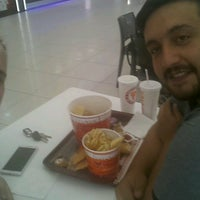Photo taken at Popeyes by Erkan A. on 8/11/2016
