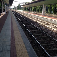 Photo taken at Stazione Caronno Pertusella by Kostya👑German on 4/30/2016