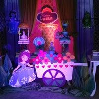 Photo taken at lomas valentina by Miryan R. on 9/27/2014