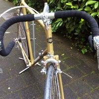 Foto tomada en BRINKHAUS fietsen  //  Designhaus por STAHLVELO FAHRRAD STUDIO el 5/14/2014