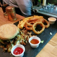 Das Foto wurde bei Dulf's Burger von Kjell F. am 3/3/2014 aufgenommen