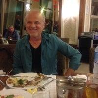 Das Foto wurde bei Meandros Restaurant von Nurdan K. am 11/28/2015 aufgenommen
