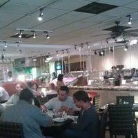 Foto tomada en POC American Fusion Buffet & Sushi por Y B. el 1/2/2013