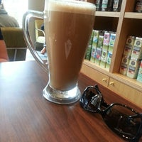 Photo taken at The Coffee Bean & Tea Leaf by Shaina S. on 3/30/2014