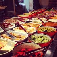 Photo taken at Restaurante À Mineira by Ana Luiza N. on 10/14/2012