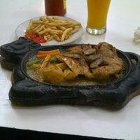 Photo taken at Waroeng Steak & Shake by IB Satriadi Pidada g. on 9/23/2012