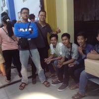 Photo taken at Gallery Amplang Karya Bahari by darmayudha on 8/2/2014