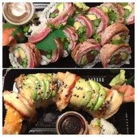Photo prise au Domo Sushi par Stacy P. le4/6/2013