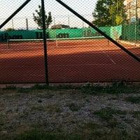 Photo taken at Havuzlu Konak Tenis Kortları by Gulsah T. on 5/12/2015