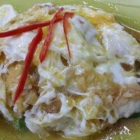 Photo taken at Restoran Ping Wah by Natalie Y. on 6/9/2014