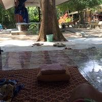Photo taken at Wat Pho Herbal Sauna by Jegebe on 1/15/2014