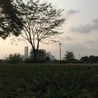 Photo taken at 이촌동 한강변 by nahee k. on 9/27/2014