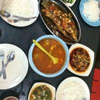 Photo taken at Arfa Batik Seafood Restaurant by Maisyarah Y. on 1/12/2017