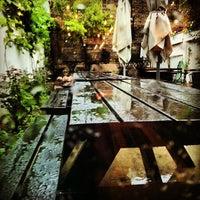 5/28/2013 tarihinde Michael B.ziyaretçi tarafından Café Pamenar'de çekilen fotoğraf