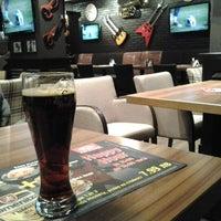 12/9/2012 tarihinde Konstantin P.ziyaretçi tarafından Happy Bar & Grill'de çekilen fotoğraf