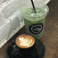 9/16/2017 tarihinde Andrew K.ziyaretçi tarafından Frisson Espresso'de çekilen fotoğraf