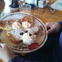 Foto tirada no(a) Oak Table Cafe por Randy S. em 4/3/2013