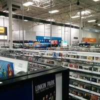 Photo taken at Best Buy by Mark H. on 8/10/2014