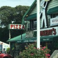 รูปภาพถ่ายที่ Little Vincent's Pizza โดย ¤ Paula ¤ G. เมื่อ 7/28/2017