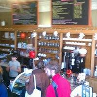 Foto tirada no(a) Bridgeport Coffee Company por Big John K. em 10/27/2012