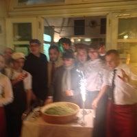 Снимок сделан в Pizzeria Regina Margherita пользователем Andrew S. 9/18/2013