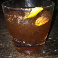 Foto tomada en Oliveria Cocktail Bar por Carolina J. el 2/11/2017