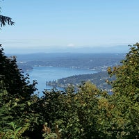 Photo taken at Million Dollar View, Cougar Mountain Park by Nataliya Z. on 9/25/2016