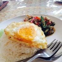 Photo taken at ร้านอาหารหาดทิพย์ by KLUAI💕 on 10/7/2015