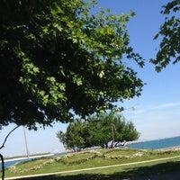 Foto tirada no(a) Yenikapı Sahili por Apo Y. em 5/21/2014