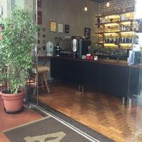 Foto tirada no(a) Academia do Café por Leonardo V. em 1/9/2016