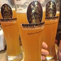 Foto tomada en Kleine Kneipe por Mauricio I. el 10/5/2012
