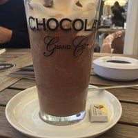 Das Foto wurde bei Chocolat Grand Café von Claudia S. am 5/12/2018 aufgenommen