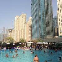 8/30/2013 tarihinde Rami A.ziyaretçi tarafından Hilton Dubai Jumeirah'de çekilen fotoğraf