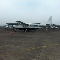 Foto diambil di Bandar Udara Tunggul Wulung (CXP) oleh M Ramawan pada 9/26/2012