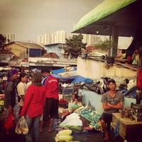 Photo taken at Pasar Rumput by Mahmur M. on 5/2/2013
