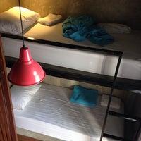 1/25/2014 tarihinde Misha M.ziyaretçi tarafından In a Box Hostel'de çekilen fotoğraf