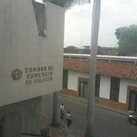 Photo taken at Cámara de Comercio de Palmira by Henry A. on 2/27/2013