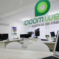 Photo taken at Agência iPoomWeb by Diego M. on 2/27/2014