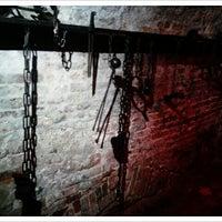 Das Foto wurde bei Mittelalterliche Lochgefängnisse von Anastasia A. am 9/20/2013 aufgenommen